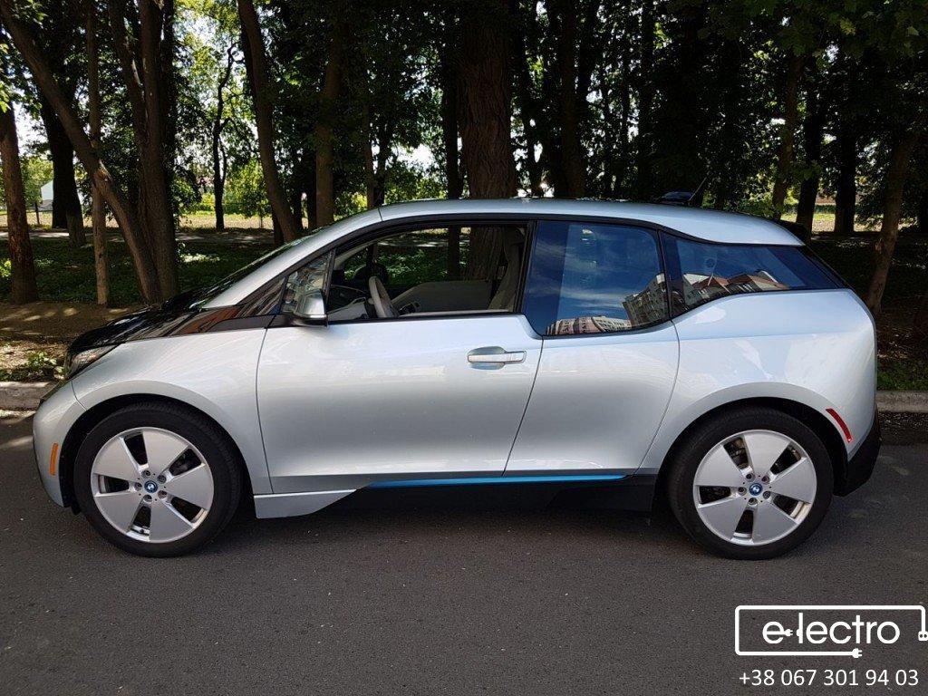 BMW I3. Детальний відеоогляд з усіх боків.
